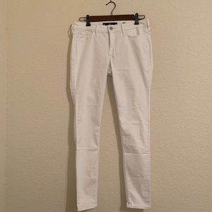 Hollister NWT low rise white skinny jeans